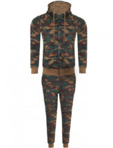 Mens-Camo-Tracksuit, Camo top and camo bottoms